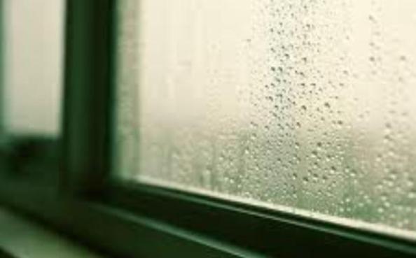 Bulir Hujan Lukis Jendela