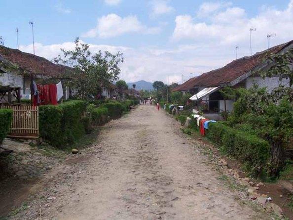 Jalan Desa (dok klosetide)